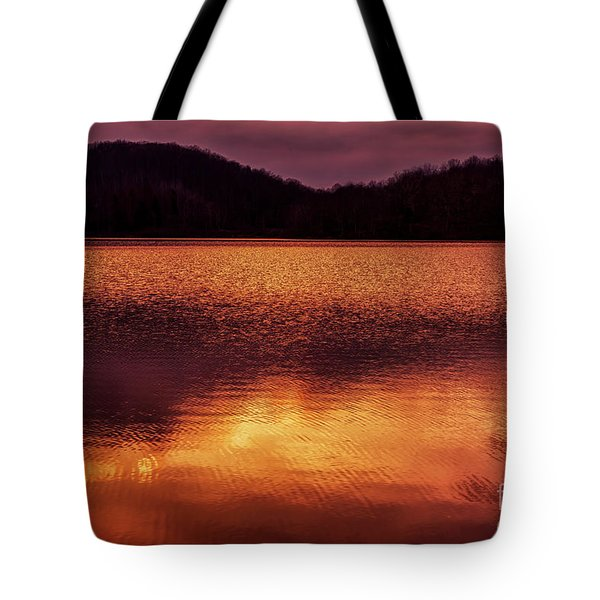 Winter Sunset Afterglow Reflection Tote Bag