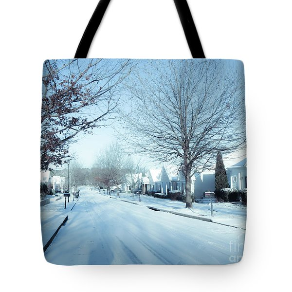 Wintry Snow Fall - Georgia Tote Bag