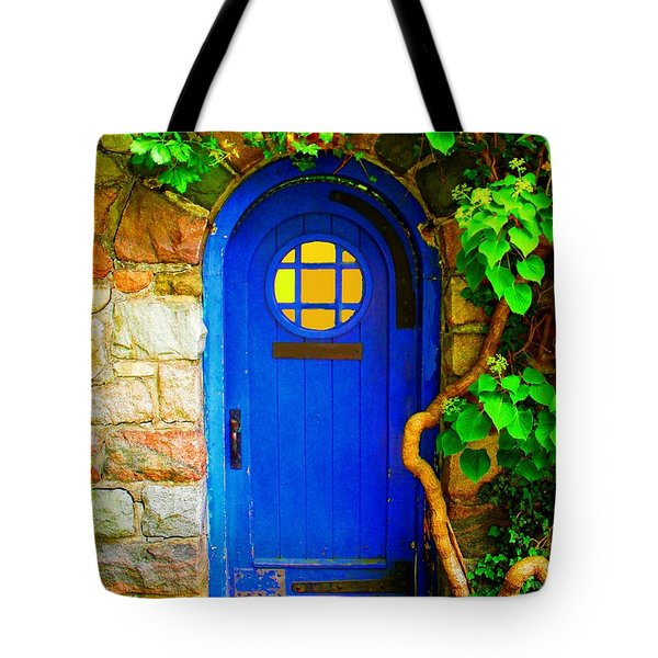 Tote Bag featuring the photograph Wizard Of The Forest by Rodney Campbell
