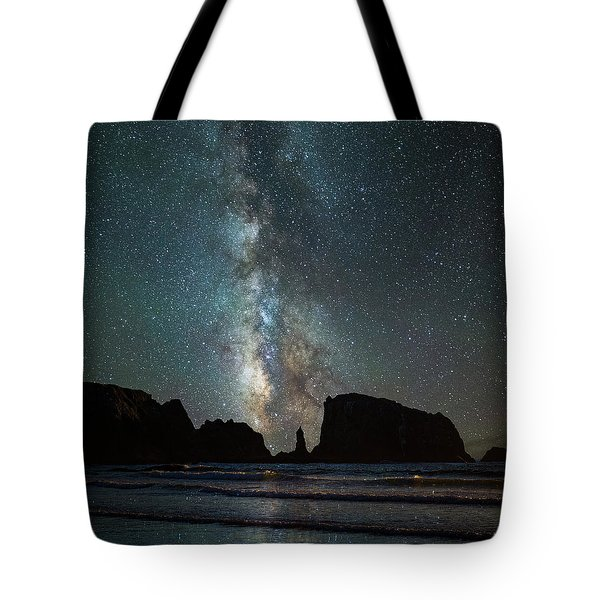 Tote Bag featuring the photograph Wonders Of The Night by Darren White