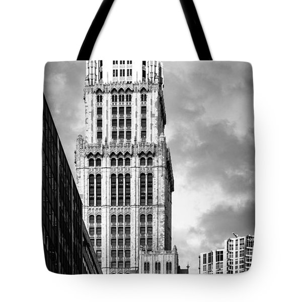 Tote Bag featuring the photograph Woolworth Building by Juergen Held