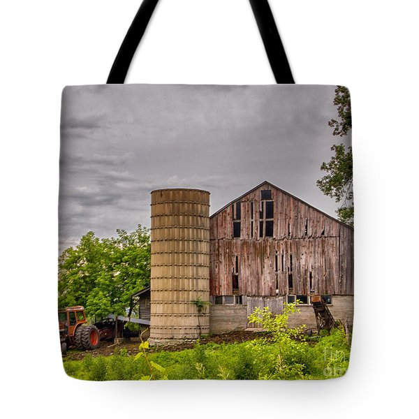 Working Barn Tote Bag