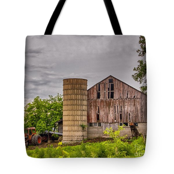 Working Barn Tote Bag