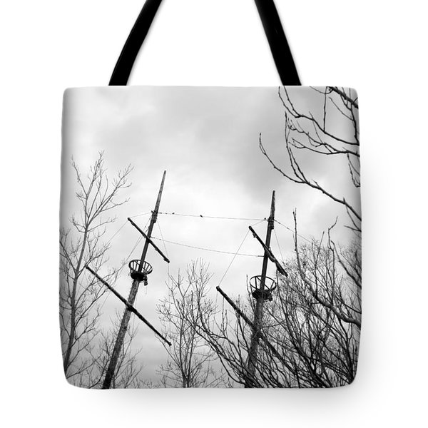 Tote Bag featuring the photograph Wrecked by Valentino Visentini