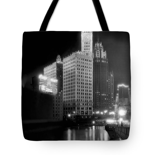 Wrigley And Tribune Buildings Tote Bag by Underwood Archives