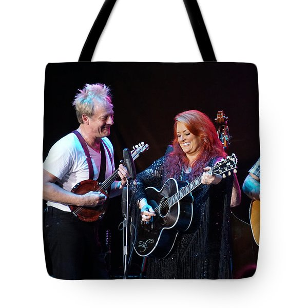 Wynonna Judd In Concert With Hubby Cactus Moser And Band Guitarist Tote Bag