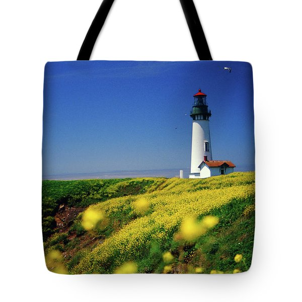 Yaquina Head Lighthouse- V2 Tote Bag