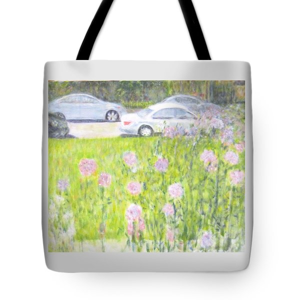 Yard Flowers  In Chicago Tote Bag
