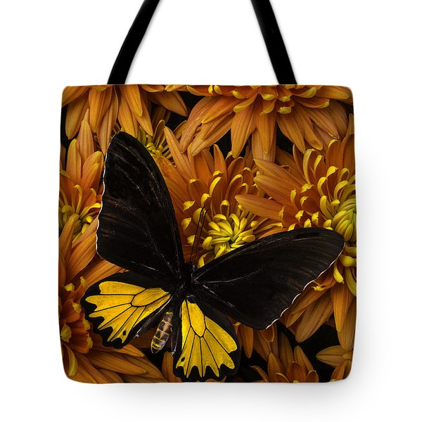 Yellow And Black Butterfly On Mums Tote Bag