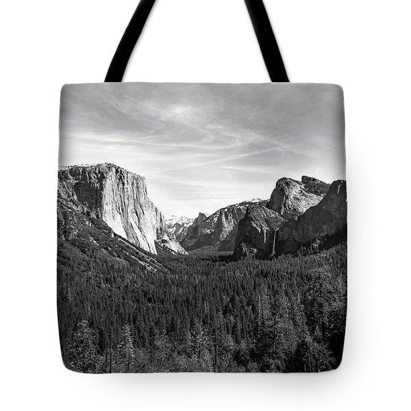 Yosemite B/w Tote Bag