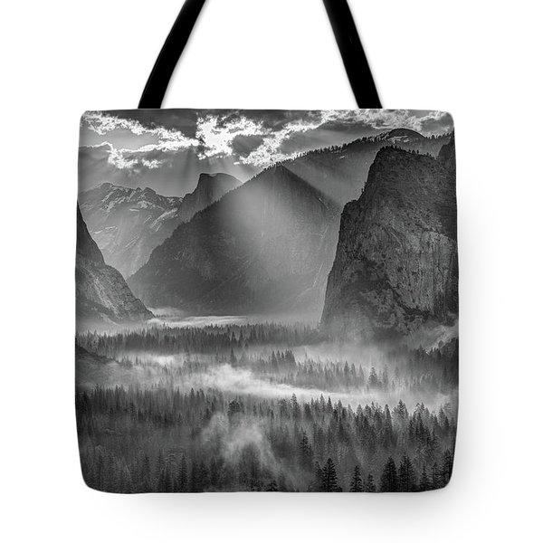 Yosemite Morning Sun Rays Tote Bag