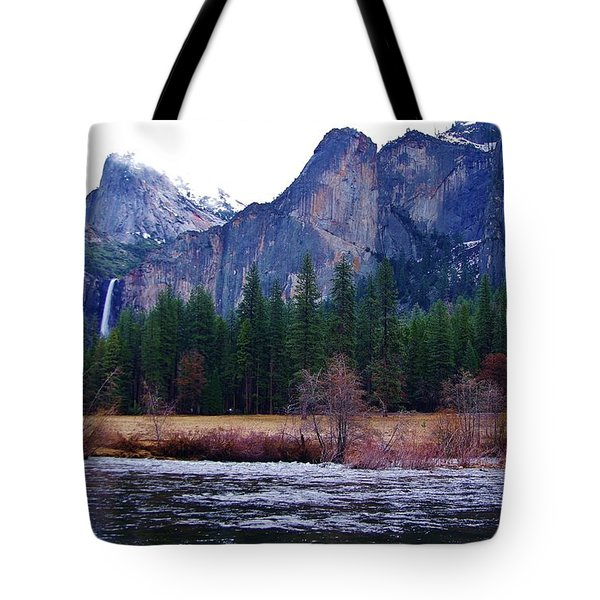 Tote Bag featuring the photograph Yosemitie Valley by Phyllis Spoor
