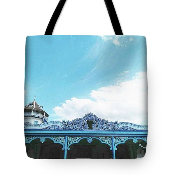 Solo Traditional Building Tote Bag