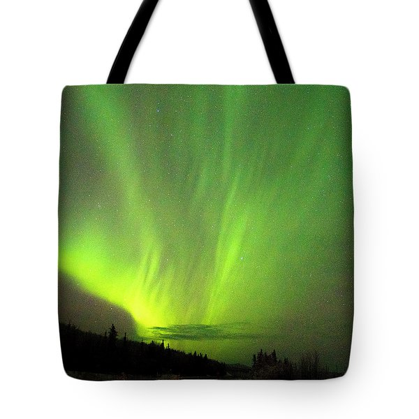 Tote Bag featuring the photograph Yukon Northern Lights 1 by Phyllis Spoor
