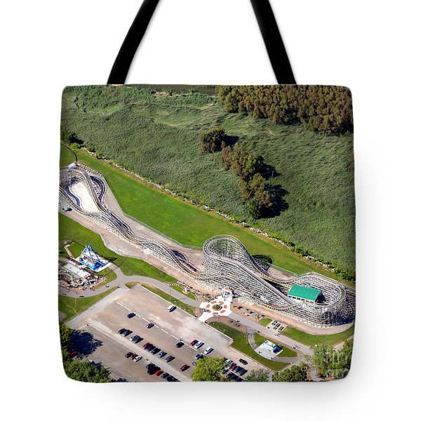 Tote Bag featuring the photograph Zippin Pippin by Bill Lang