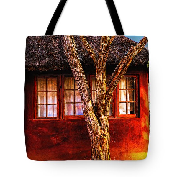 Zulu Hut Tote Bag