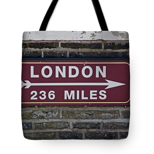 06/06/14 Settle. Station View. Destination Board. Tote Bag