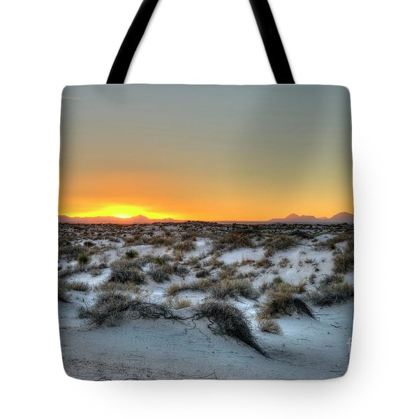 Tote Bag featuring the photograph Desert Sunset by Joe Sparks