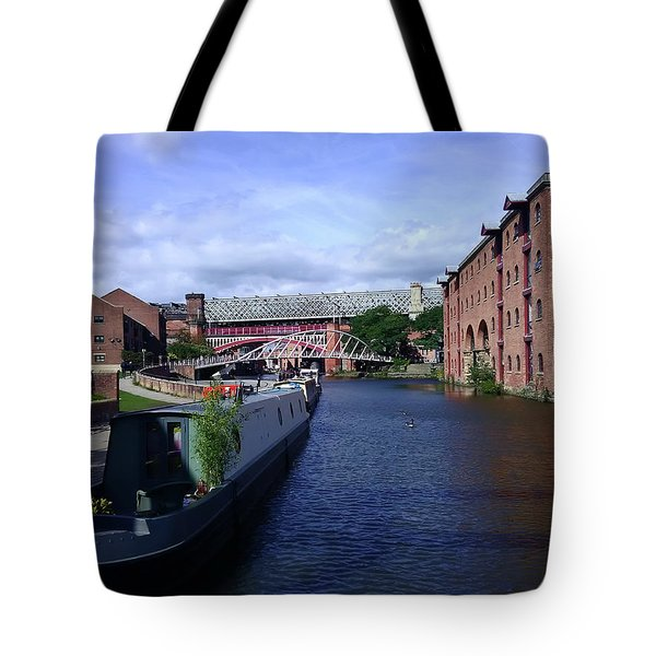13/09/18  Manchester. Castlefields. The Bridgewater Canal. Tote Bag