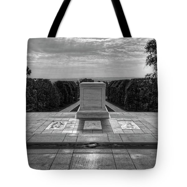 Tomb Of The Unknown Soldier Tote Bag