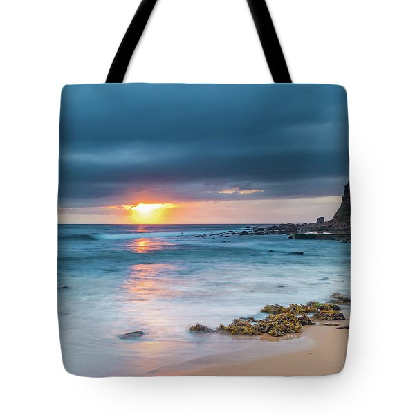 Sunrise Seascape And Cloudy Sky Tote Bag