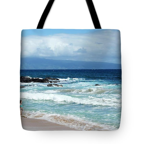 A Little Girl With A Pink Bucket, Oneloa Bay, West Maui, Hawaii Tote Bag