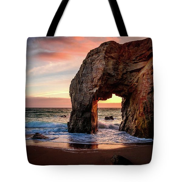 Arche De Port Blanc Tote Bag