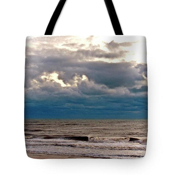 Tote Bag featuring the photograph Autumn Air by Don Moore