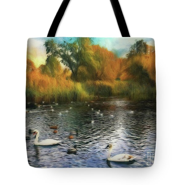 Tote Bag featuring the photograph Autumn On The Lake by Leigh Kemp