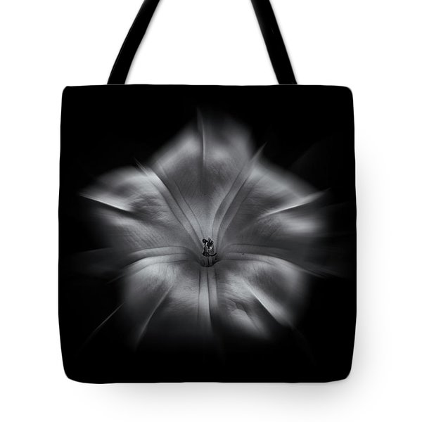 Backyard Flowers In Black And White 24 Flow Version Tote Bag