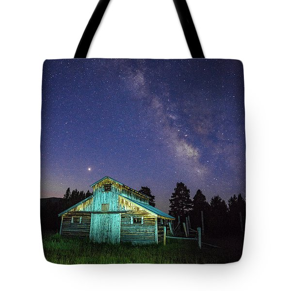 Tote Bag featuring the photograph Barn In Rocky 2 by Gary Lengyel