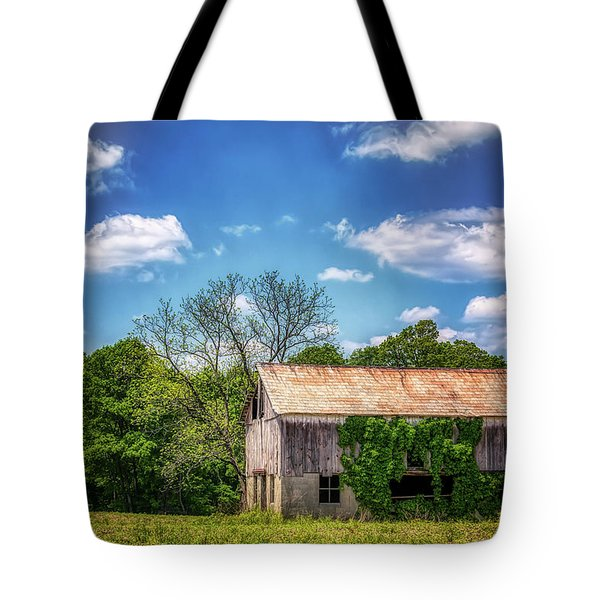 Barn With Ivy Tote Bag