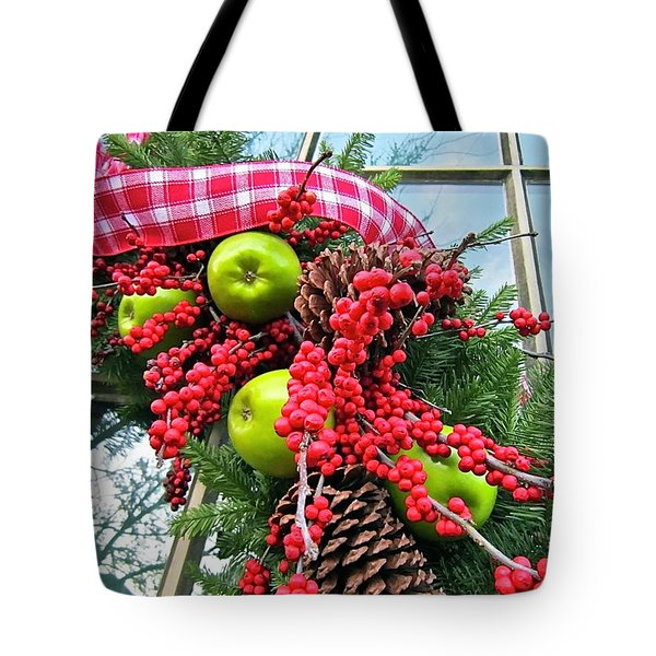 Tote Bag featuring the photograph Berry Christmas by Don Moore