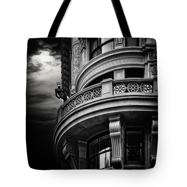 Tote Bag featuring the photograph Black Cat On A Fifth Avenue Balcony by Chris Lord