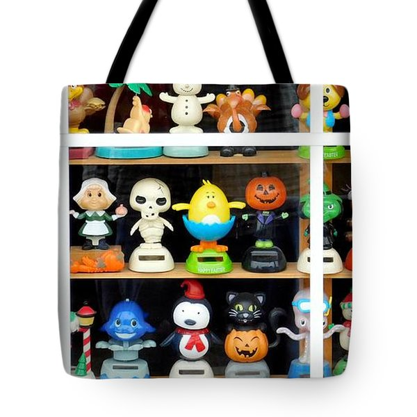 Bobbleheads In Store Window In Schroon Lake Ny In Adirondacks Tote Bag