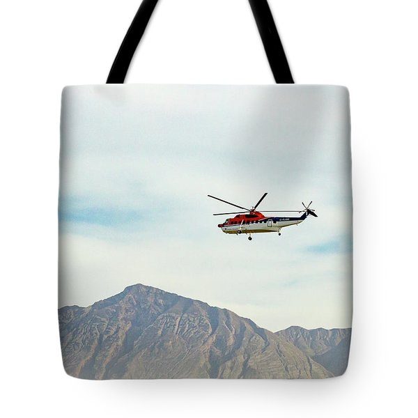 Tote Bag featuring the photograph Canadian Helicopters Sikorsky S61n C-gjqg by SR Green
