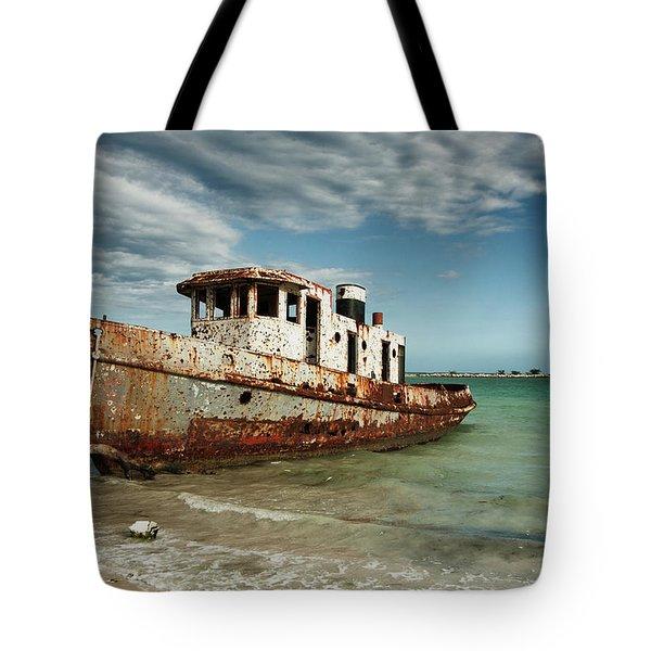 Caribbean Shipwreck 21002 Tote Bag