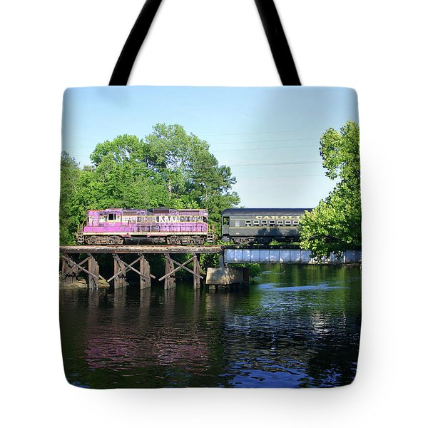 Tote Bag featuring the photograph Carolina Southern by Joseph C Hinson Photography