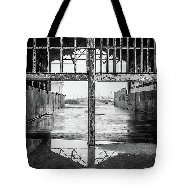 Tote Bag featuring the photograph Casino Reflection by Steve Stanger