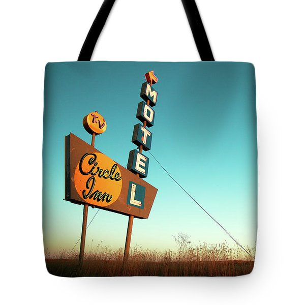 Tote Bag featuring the photograph Circle Inn Color by Todd Klassy