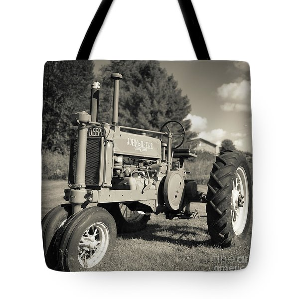 Classic Old Tractor Stowe Vermont Square Tote Bag