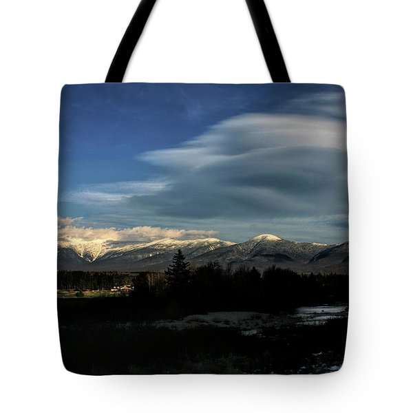 Tote Bag featuring the photograph Cloud Lens Over The Presidential Range by Wayne King