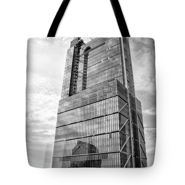 Tote Bag featuring the photograph Comcast Technology Center - Philadelphia In Black And White by Bill Cannon