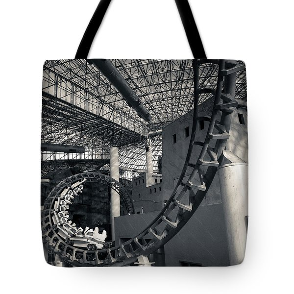 Curvature Tote Bag
