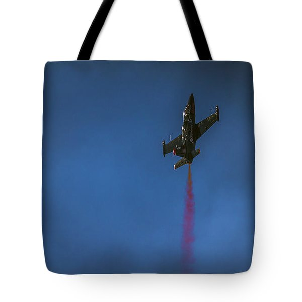 Dramatic Solo Tote Bag
