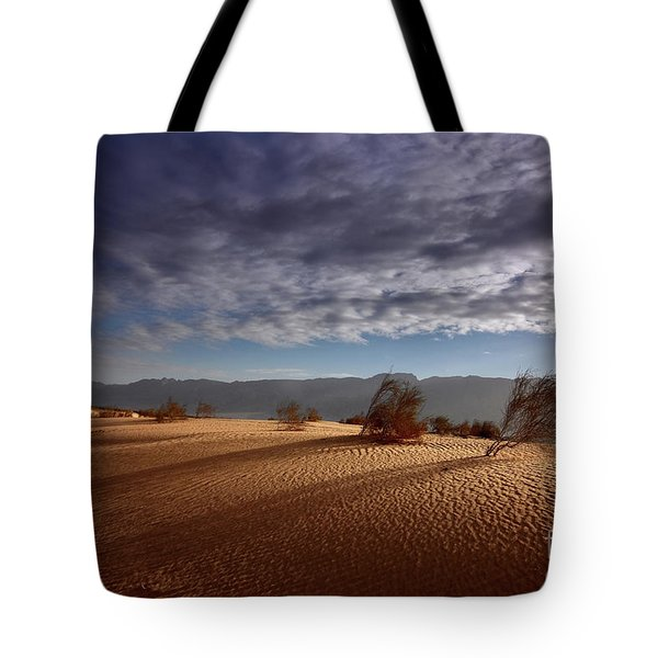 Dune In Motion Tote Bag