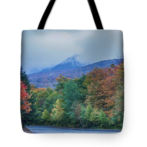 Flume Gorge Parking Lot In Rain Tote Bag