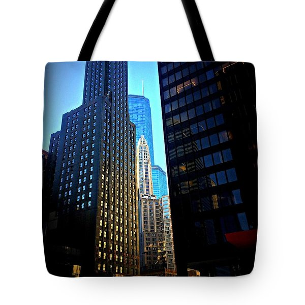 Golden Hour Reflections - City Of Chicago Tote Bag