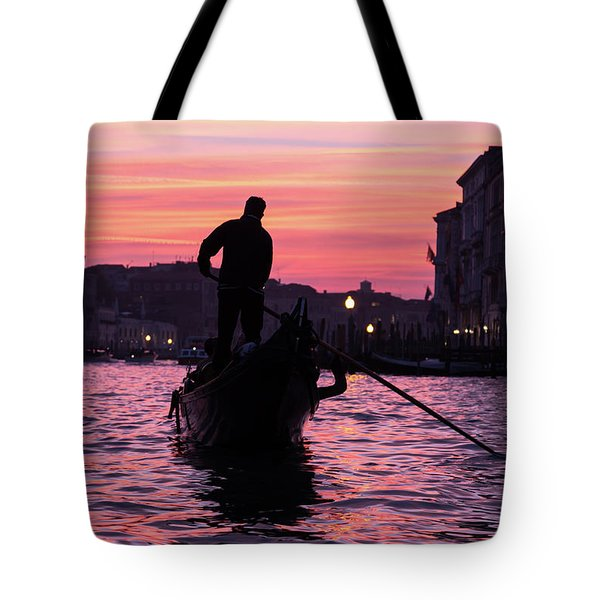 Gondolier At Sunset Tote Bag