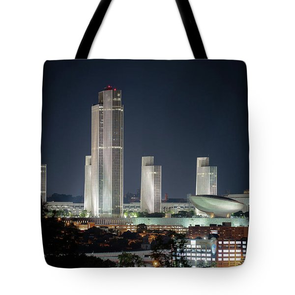 Tote Bag featuring the photograph Goodnight Albany by Brad Wenskoski